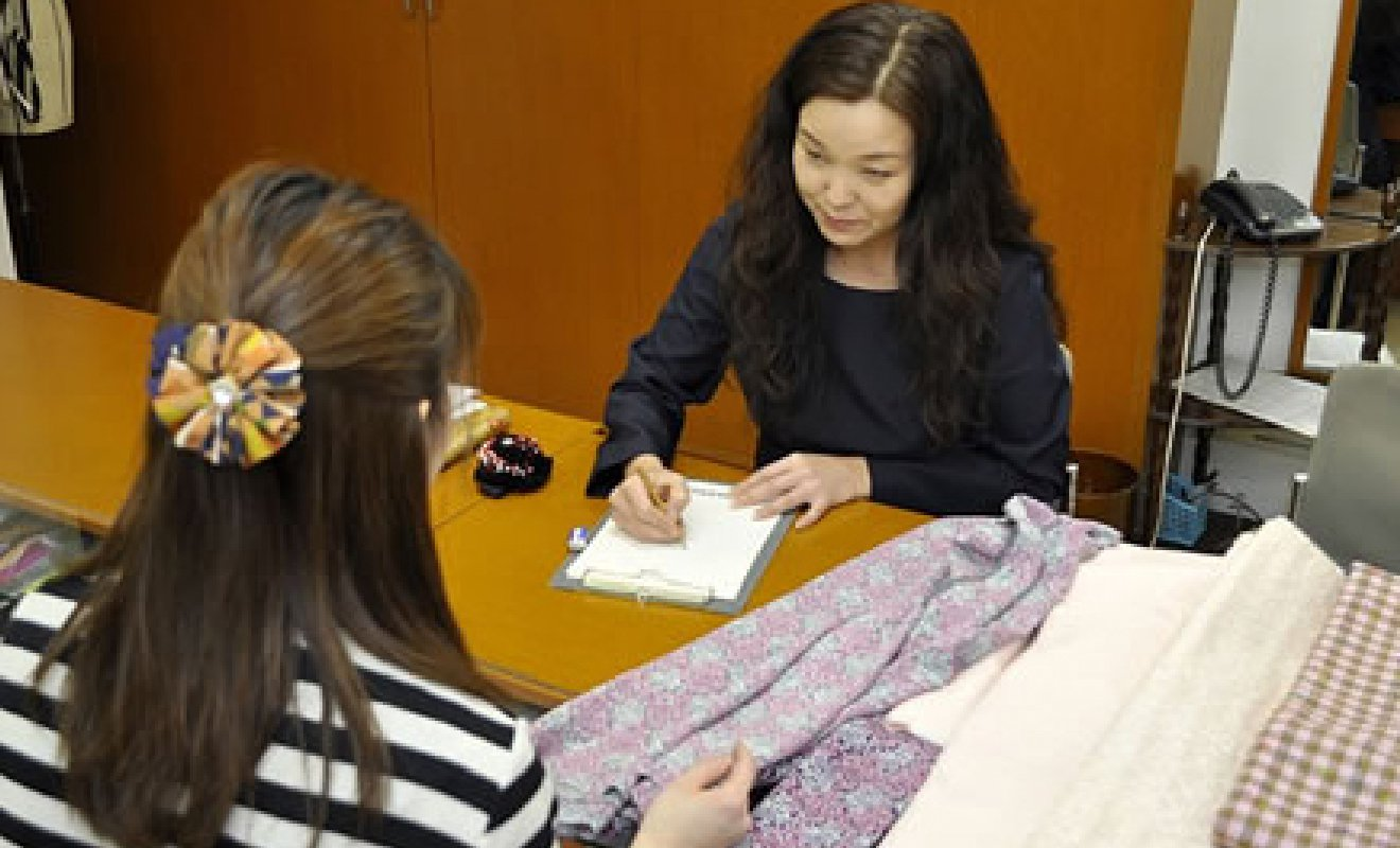 デザイナー 鳴海恵美子先生